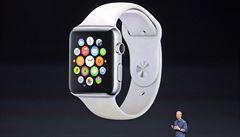 Další 'chytré jablko' na trhu. Apple začne v dubnu prodávat hodinky