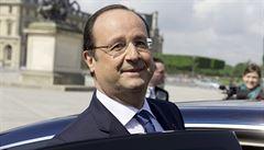 Francie se začíná zotavovat, můžeme snížit daně, řekl Hollande