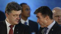 LÉKO: Cosi shnilého ve státě dánském, exšéfa NATO platí 'Goldmani'