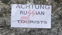 Achtung! Ruští turisté se stali terčem útočných plakátů v Celetné