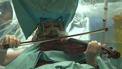Izraelská hudebnice hrála při své operaci na housle