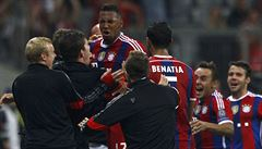 Bayern zlomil odpor City v závěru, Chelsea bez Čecha jen remizovala