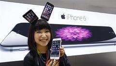 Svět šílel kvůli iPhonu. Podívejte se do Berlína, Singapuru či Tokia