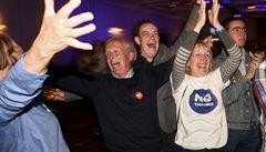Skotsko zůstane v Británii. Zastánci unie získali přes 55 procent