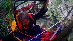 Dobrodruh vletěl balónem do hluboké jeskyně a pokořil rekord