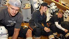 Žena v obklopení mužů. S týmem NHL trénovala talentovaná hokejistka