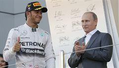 Formuli 1 v Rusku ovládl Hamilton a Mercedes bere pohár konstruktérů