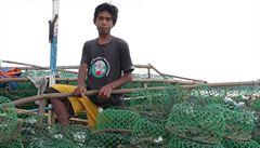 Tajfun zasadil ránu jejich životům. Rybáři na Filipínách čelí chudobě