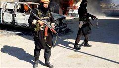 Teroristé proti sobě. Při bitvě mezi Talibanem a Islámským státem zahynulo 91 lidí