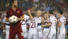 Divočina v Lize mistrů: Bayern dal sedm gólu, Chelsea s Čechem šest