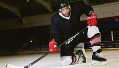 Hokejový 'učitel' z Keni. Jeho videa jsou hitem, chválí ho i v Kanadě