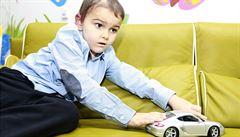 Britský chlapec, jenž se léčil v Česku, se zřejmě rakoviny zbavil. Podstoupil tu protonovou léčbu