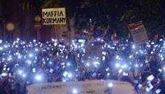 Rozzuření Maďaři táhnou proti Orbánovi. Chce jim zpoplatnit internet