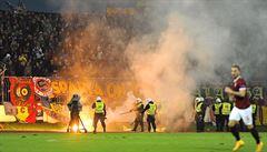 Ve stínu násilí mezi fanoušky. Sparta v derby přehrála Slovan 3:0