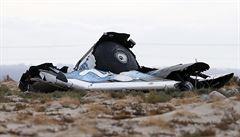 Soukromá raketa SpaceShipTwo se zřítila do pouště, jeden pilot zemřel