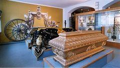 Rakev, nebo urnu? Ve vídeňském muzeu pohřebnictví mají obojí