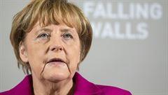PETRÁČEK: Důstojnost člověka. Proč Merkelová tak hájí neomezené právo na azyl