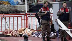 'Všude mrtvá těla.' U břehů Turecka se potopila loď s uprchlíky
