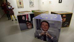 Špionáž, čistky, devastace... Výstava v DOXu ukazuje Mody demokracie