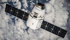 Raketa SpaceX zkusí přistát na plošině velké jako fotbalové hřiště