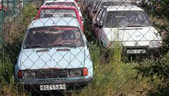 Praha loni řešila 1245 odstavených aut, z toho 473 vraků