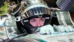 Rosberg zaútočil už v kvalifikaci, v Abú Zabí odstartuje před Hamiltonem