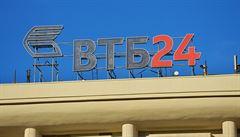 Sankce připravily ruskou banku VTB téměř o 100 procent zisků