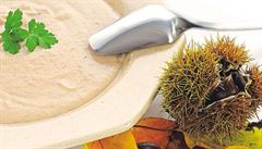 Vyzkoušejte hřejivou polévku z jedlých kaštanů, radí Paulus