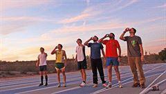 Alkohol a běh naráz. Startuje první světový šampionát v pivní míli
