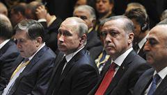 Putin po rozhovoru s Erdoganem vyzval k normalizaci vztahů