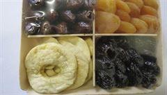 Tesco prodávalo sušené ovoce s viditelnými škůdci. Balení páchla