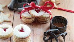 Slepované cukroví. Linecké koláčky i dortíčky se slaným karamelem