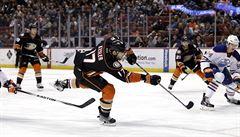 Anaheim porazil trápící se Edmonton a dál kraluje NHL. Detroit druhý
