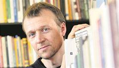 Nominace na Literu má 24 knih, cenu může získat Reiner či Kahuda
