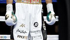 Vstřícné gesto. Boxer věnoval trenýrky za milion zmasakrované škole v Pákistánu