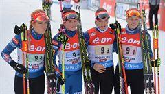 Biatlonistky opět září. V první štafetě sezony vydřely bronz