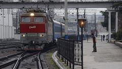 Ukrajina nepouštěla na Krym auta. Stály i autobusy a vlaky