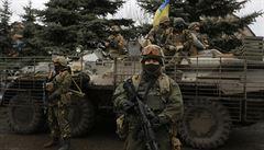Kyjev a povstalci si opožděně vyměnili stovky válečných zajatců