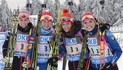 Triumf po 17 letech. Češky vyhrály biatlonovou štafetu v Oberhofu