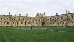 Na koleji v Oxfordu večeří studenti stejně jako Harry Potter, popisuje český student