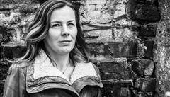 Píšu o depresi i autismu, ale ne o bláznech, říká spisovatelka Gerritsenová