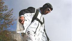 Miloval skok do hlubin. Průkopník BASE jumpingu v Česku zahynul na Sněžce