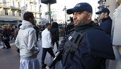 Hon na teroristy trvá. Francie zmobilizovala tisíce vojáků a policistů
