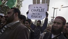 'Všichni jsme Chérif.' Muslimové protestovali proti karikaturám Mohameda