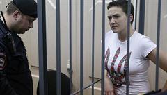 Pilotka Savčenková zůstane ve vazbě do května, soud zamítl odvolání