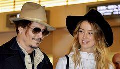 Herec Johnny Depp se oženil s herečkou Amber Heardovou