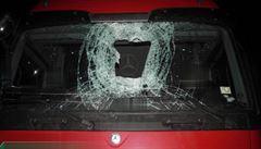 Soud uložil muži, který na D1 házel polena po autech, ochranné léčení
