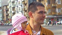 Poslanec na Facebooku použil romského novorozence jako symbol problému