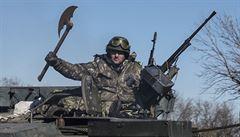 Porošenko: Rusko porušuje dohodu z Minsku, EU by měla zpřísnit sankce