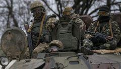 Že Putinovi vojáci na Ukrajině nejsou? Ukrajina hlásí dva ruské zajatce
